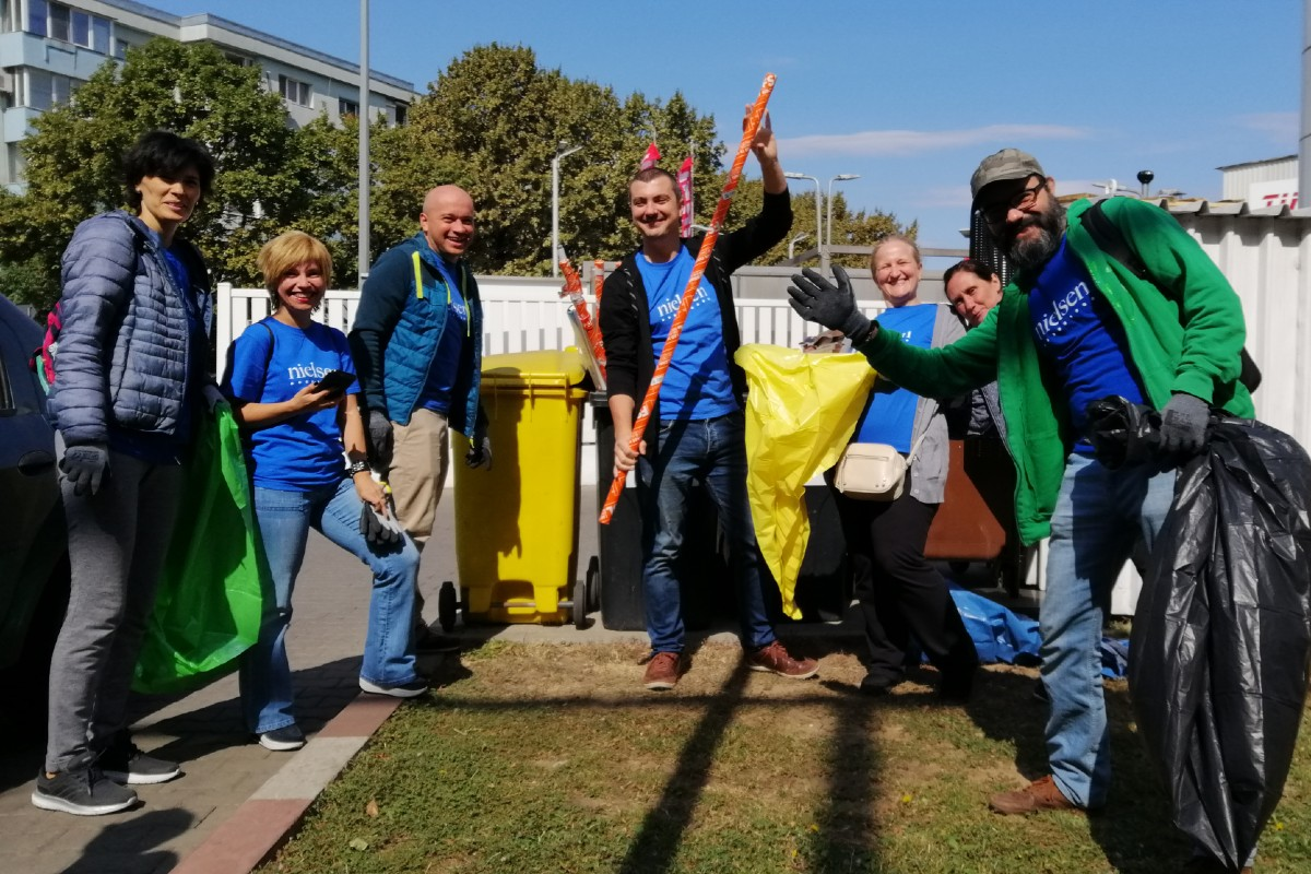 Nielsen volunteers celebrate World Cleanup Day